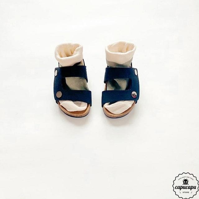 «sold out» Back strap sandal
