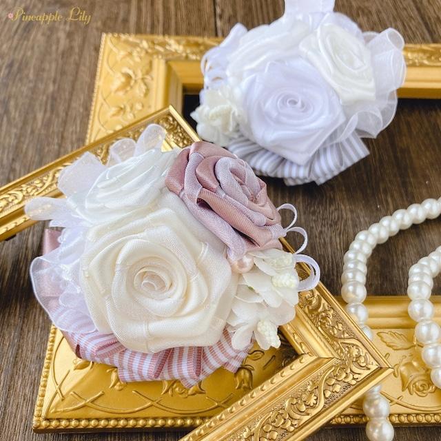 【キット】白い薔薇のコサージュ手作りキット ~リボンでつくる季節の花~《動画付き》
