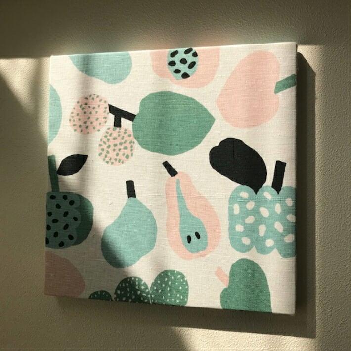 北欧 kauniste(カウニステ) ファブリックパネル 30×30センチ Tutti Frutti  ライトグリーン