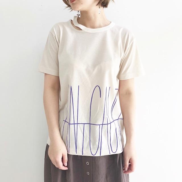 【 ANTGAUGE 】- AB831 - スリットネックプリントTeeシャツ