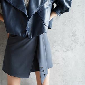 ウエストマークボタン飾りスプリットスカート ・3105