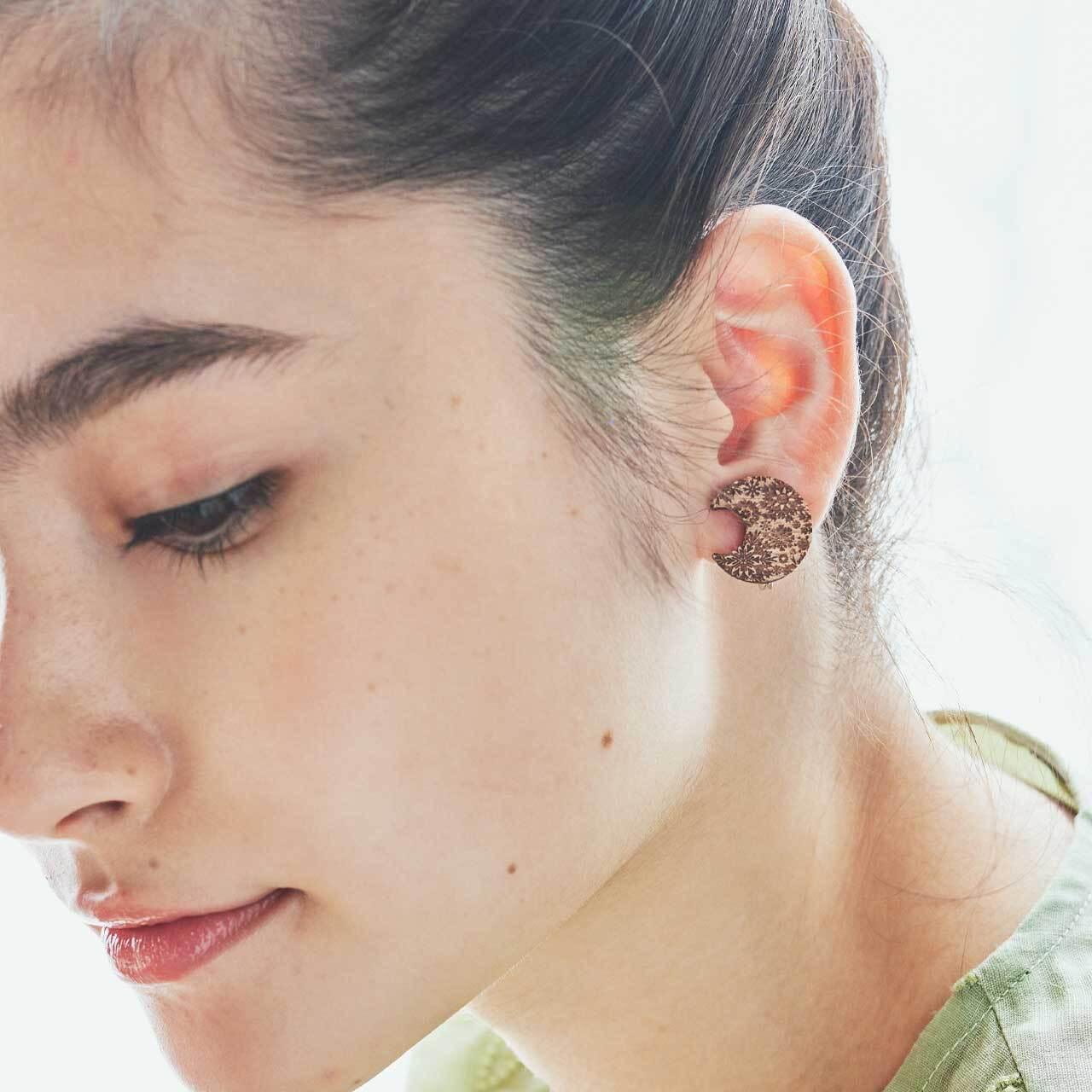 snow moon / 雪の月(Pierced Earring)