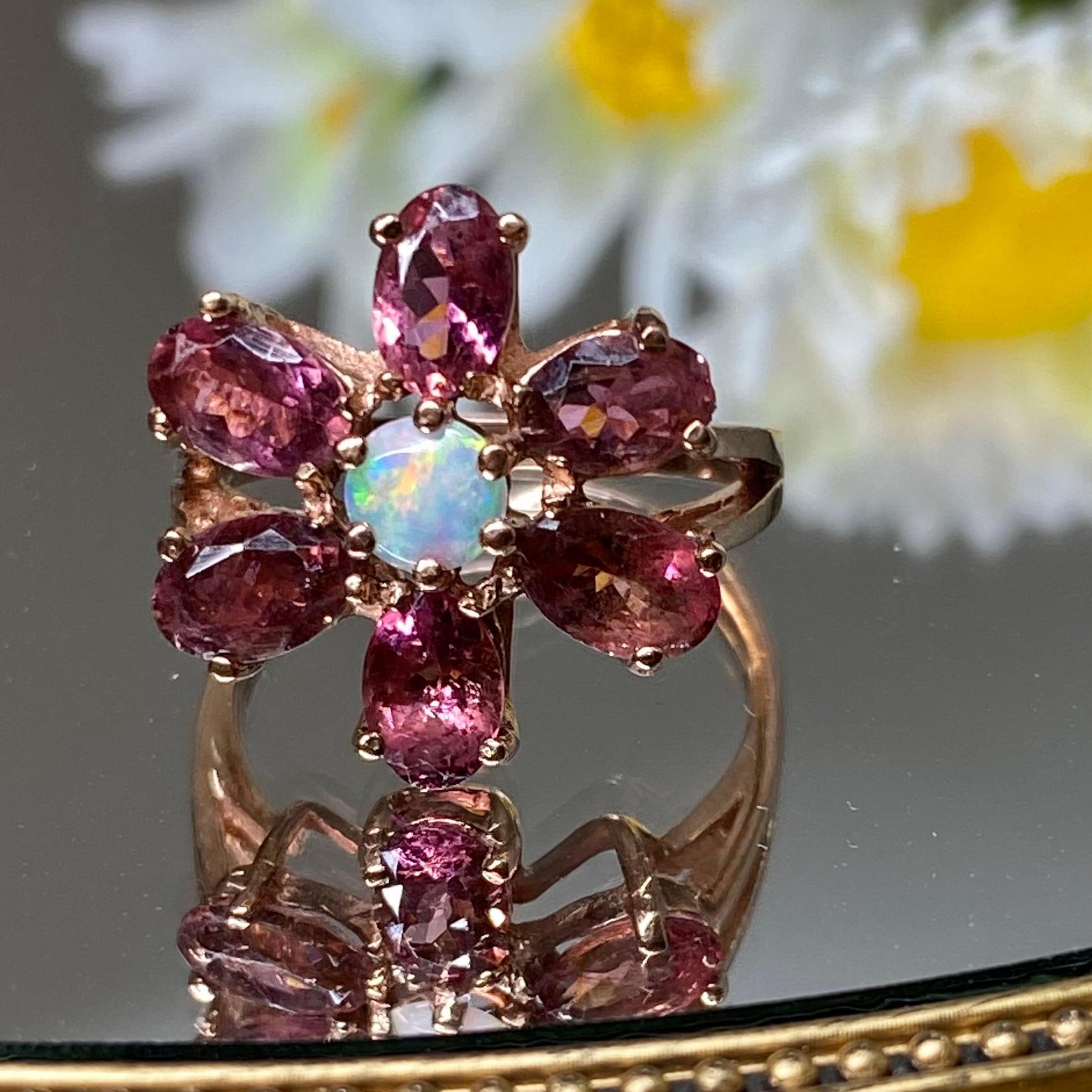 イギリス1961年製 ヴィンテージリング 目の覚めるような美しいローズゴールド 指輪 ピンクトパーズ オパール