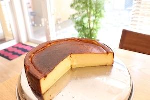 バスク風チーズケーキ 7号(12人前)21cm