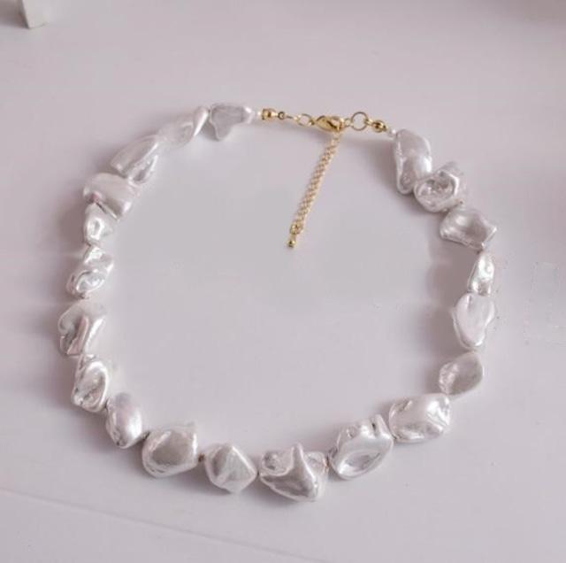 【ネックレス】ホワイトカラーBaroque pearlネックレス