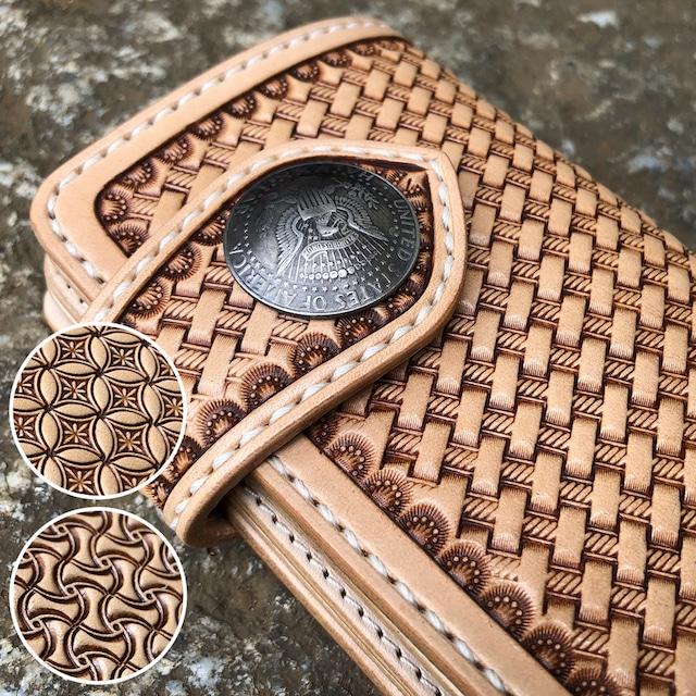 【スタンプ3種より選択出来ます】財布 ミドルウォレット レザーカービング 手縫い イタリアンレザー ヌメ革 バイカーズウォレット 日本製 MW-BKS LEVEL7