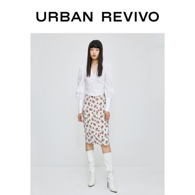 【URBAN REVIVO】バラ柄タイトスカート