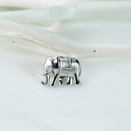 ゾウのピンバッジ K18WG ダイヤモンド