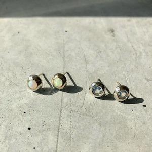 【1OMPPSV】『One off』 Opal  cabochon cut pierced earrings
