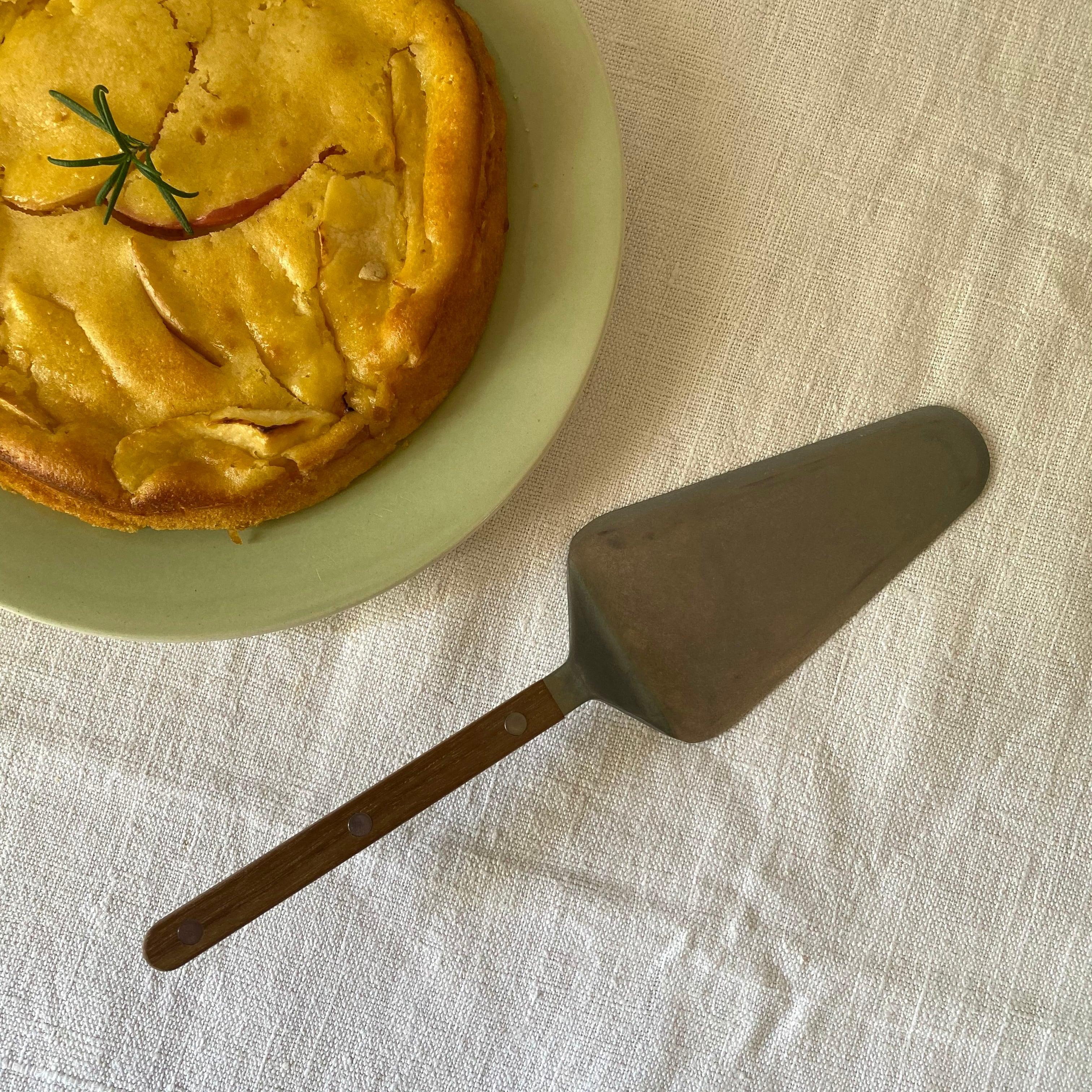 [現行品] SABRE ビストロ ヴィンテージマット チーク ケーキサーバー