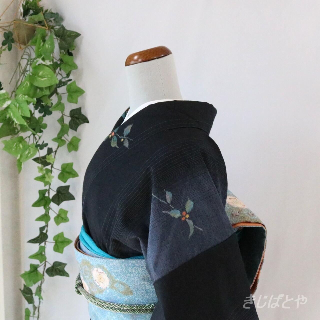 【M様ご予約品】正絹紬 黒地にぼかし縞の小紋 袷
