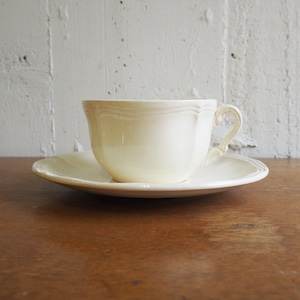 Sarreguemines(サルグミンヌ)の花リムカップ&ソーサー
