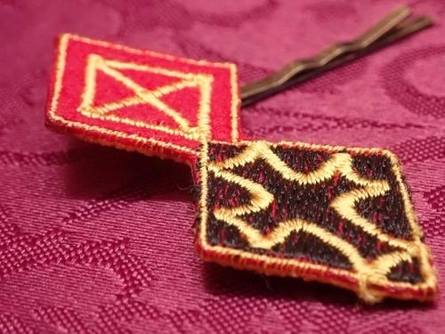 刺繍アクセサリー ダイヤ騎士の髪飾り