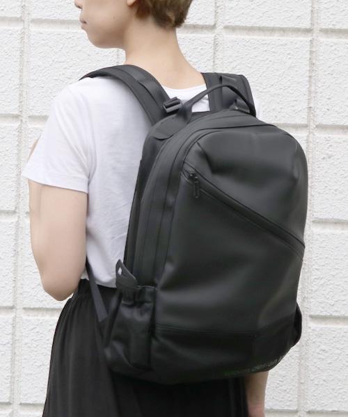 VBOM-4636【worm design lab/ワームデザインラボ】HUNT-Slanting Backpack