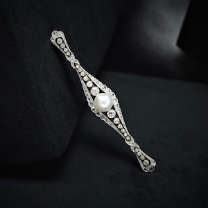 Marvelous Edwardian Diamond & Pearl Brooch  エドワーディアン パール & ダイヤモンド ブローチ