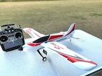 紅葉キャンペーン実施中◆ 革新的構造 OMPHOBBY S720 BNF 小型スケール機6軸&3軸ジャイロ Futaba S-FHSS S.BUS 受信機付
