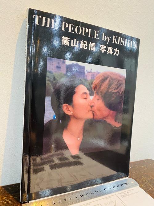サイン THE PEOPLE by KISHIN   篠山紀信 写真力