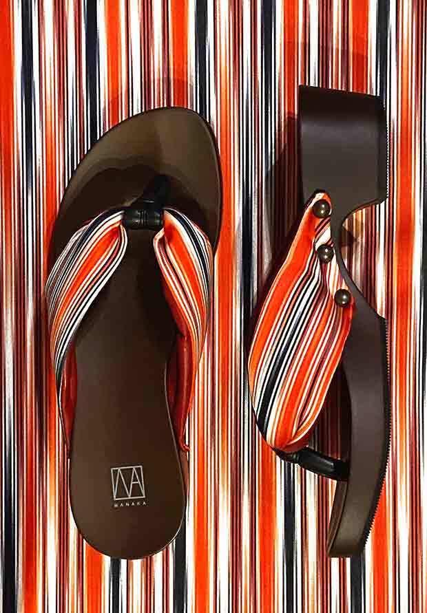 MANAKA ヒール下駄:ストライプ柄(GETA Kimono Black-and-Red stripes)4.5cmヒール
