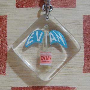 フランス ミネラルウォーターEVIAN[エビアン] ボトル広告ノベルティ 動くブルボンキーホルダー