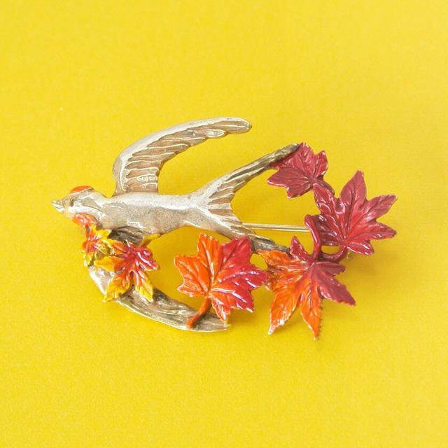 新商品《鳥/ツバメ》 ブローチ ツバメのいざない 紅葉 Palnart Poc パルナートポック 燕 PB121