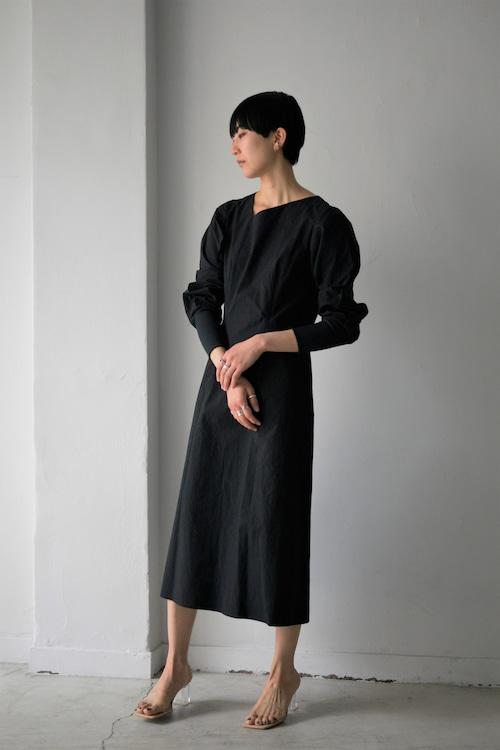 ROOM211 / Dump Sleeve Wave Dress (black)