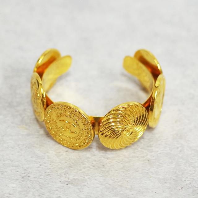 CHANEL シャネル バングル メダル ゴールド アクセサリー