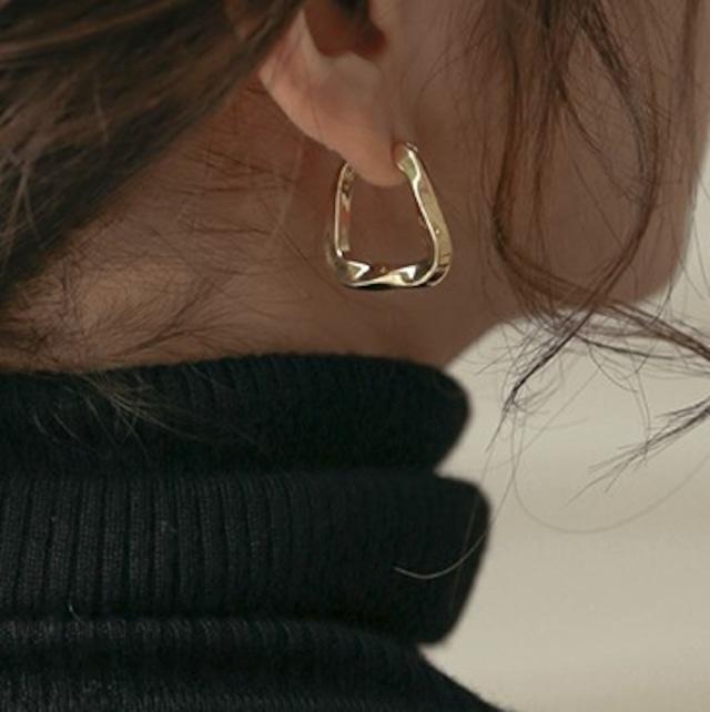 Design pierced earrings KRE690
