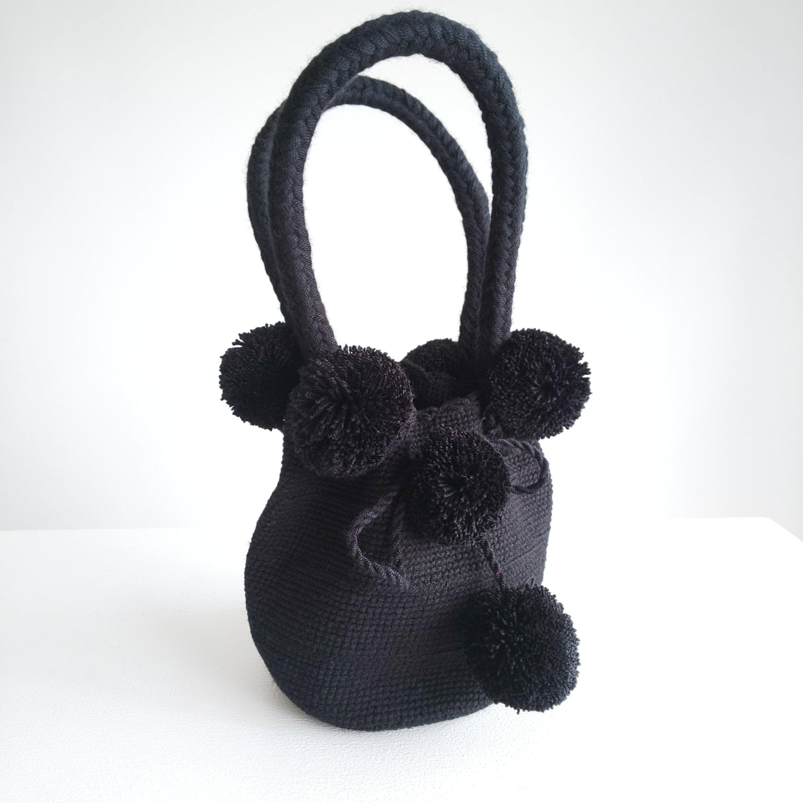 Handmade pom poms bag -black