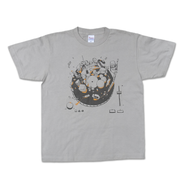 【残り僅か】sasakure.UK『トンデモ未来空奏図』Tシャツ シルバーグレー(メンズ) - メイン画像