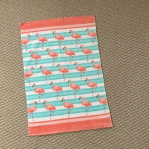 フラミンゴ好きにはたまらない♪ dc フェイスタオル フラミンゴ ボーダー ピンク 水色 ブルー ブランケット ソファーカバー インテリア タオルケット プレゼント 一人暮らし お祝い ハワイ hawaii ハワイアン雑貨