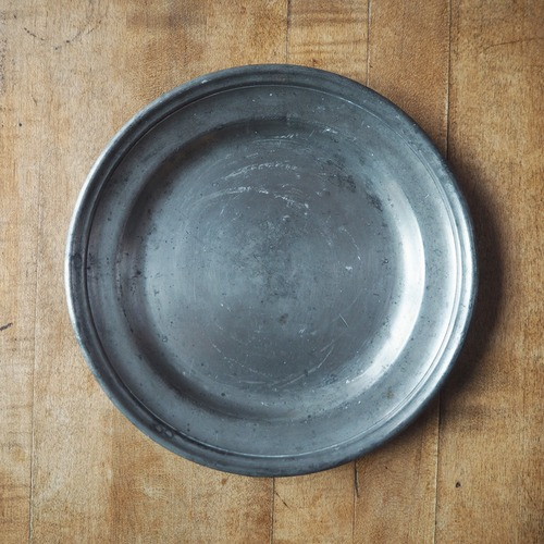 エタンの丸いお皿