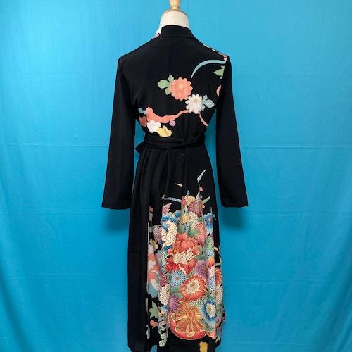 Vintage black kimono dress/ US 8 刺繍