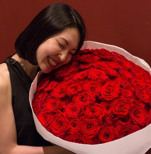 【1日2束限定・HIGH CLASS】 100本のバラの花束(RED)