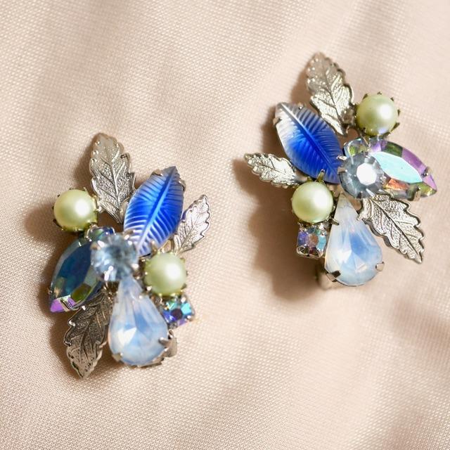 KRAMER Leaf Earrings