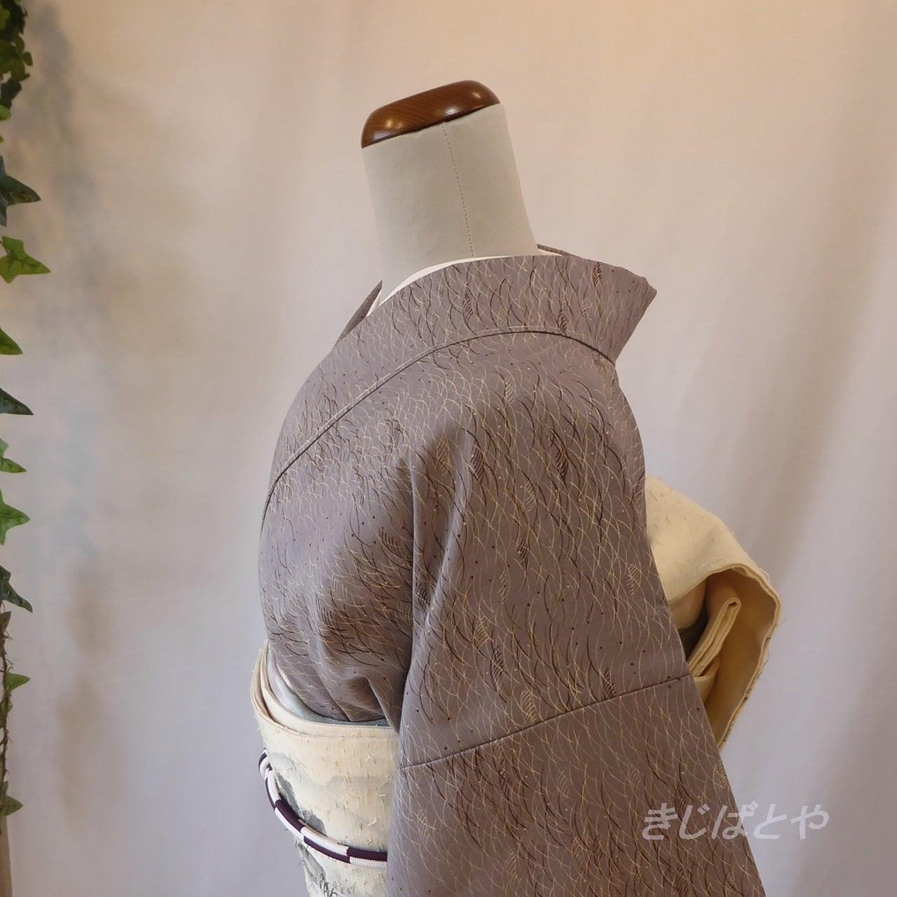 正絹紬 藤鼠に露芝の総柄小紋 袷