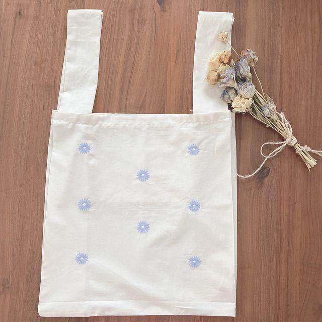 【内ポケット付き】デイジー刺繍のリネンエコバッグ