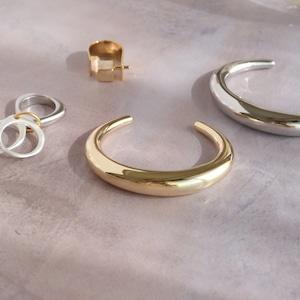 BRACELET    【通常商品】 HEFTY C BANGLE (GOLD)    1 BRACELET    GOLD    FBB018