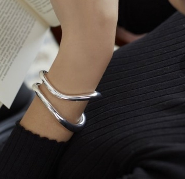 Nothing And Others【ナッシングアンドアザーズ】Double line bangle .