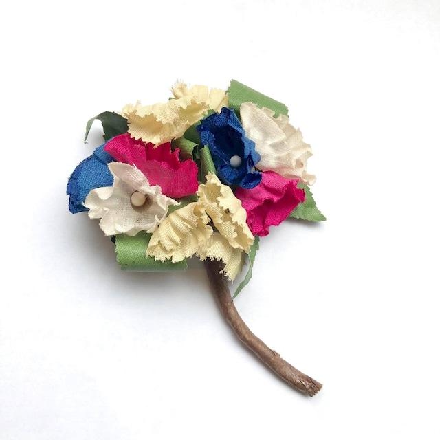 フランスヴィンテージのカラフルな花束
