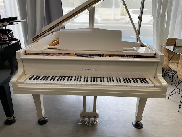 中古グランドピアノ ヤマハG2(オリジナルカスタムホワイト全塗装)
