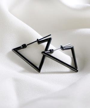 Y1901STP03P【YArKA/ヤーカ】stainless series triangle pierce/ステンレス トライアングルピアス