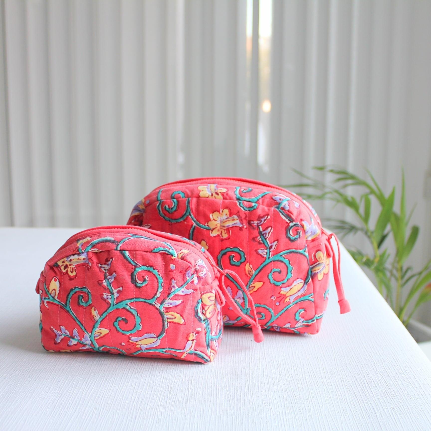 コスメポーチ ピンク Sサイズ