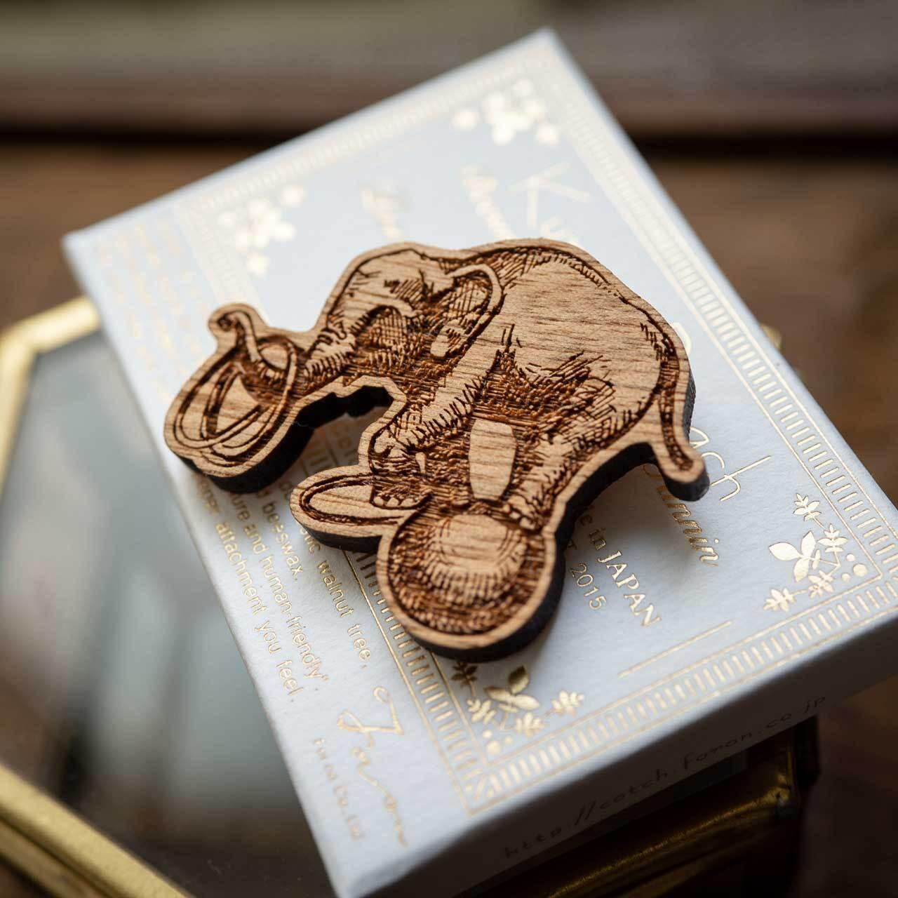 circus elephant / サーカスの象(Brooch)