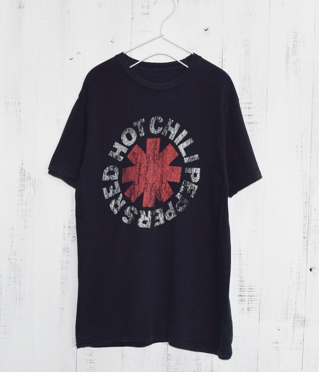 USED BAND T-SHIRT -RED HOT CHILI PEPPERS-
