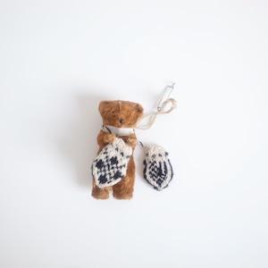 Small bear & mitten