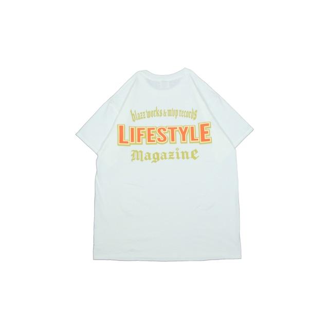 LIFESTYLE MGZN CREW TEE [WHITE]