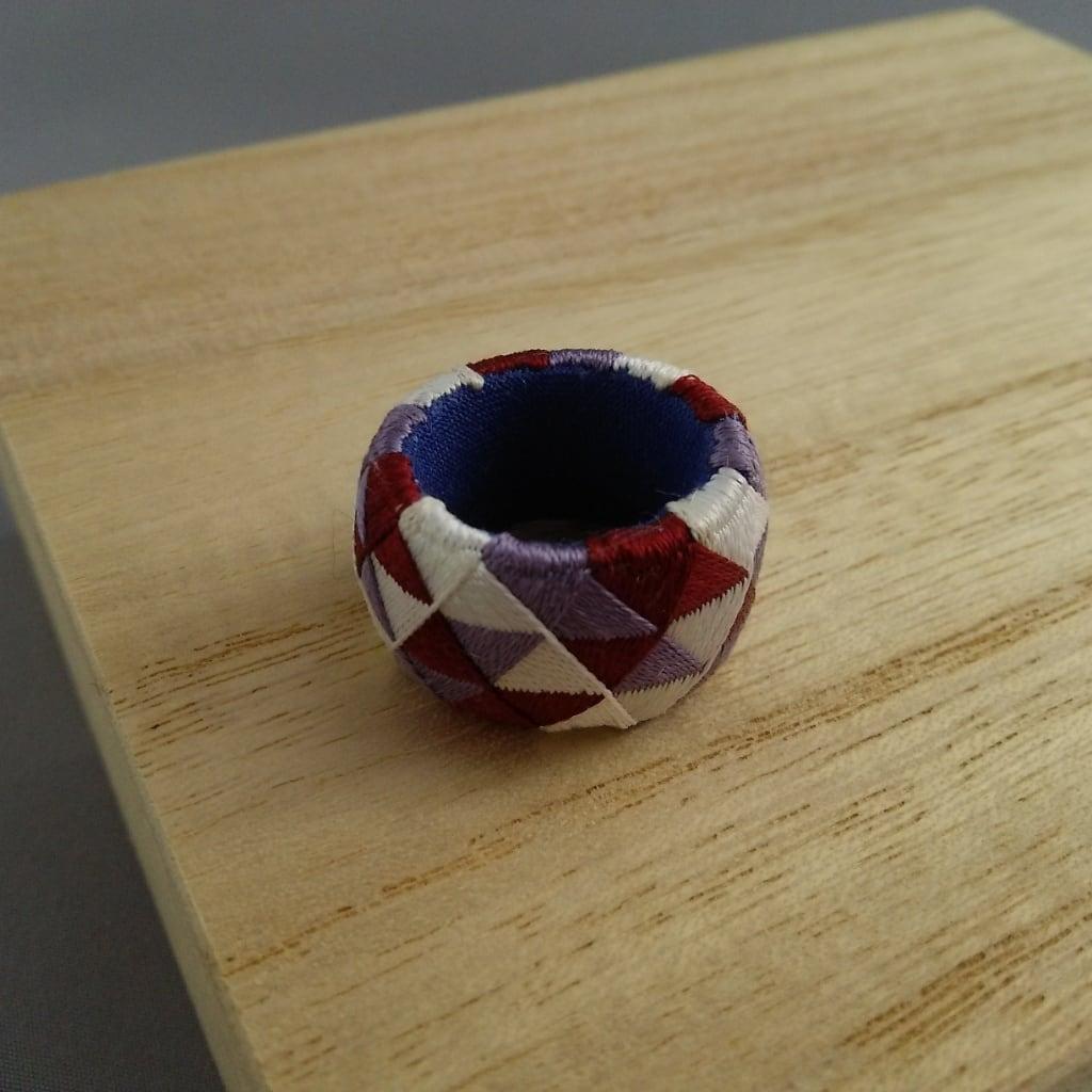 加賀ゆびぬき・三色うろこ(紫と白と臙脂)