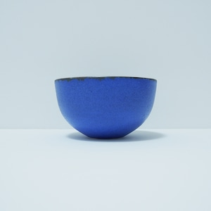 青い金属風の器.2