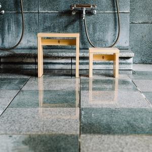 木曽の檜でつくった親子風呂椅子 Kiso Lifestyle Labo