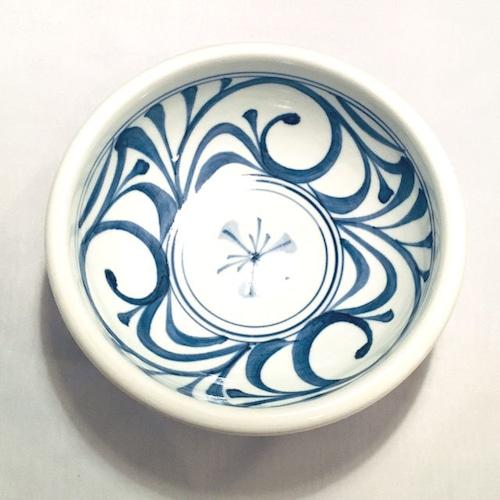 【砥部焼/梅山窯】6寸玉縁鉢(唐草)